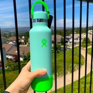 21oz Hydro Flask *Limited Edition* Neon Green